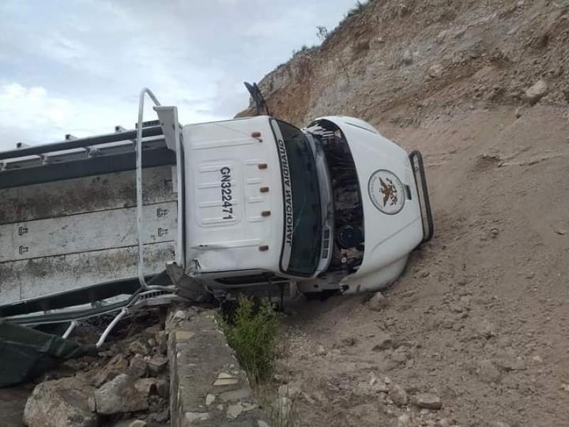 Sufre accidente camión de la GN en Cuacnopalan
