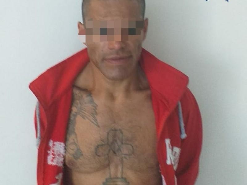 Sujeto detenido por robo a comercio en El Marqués