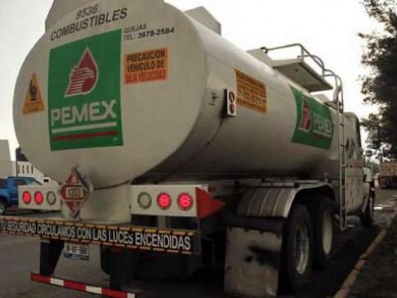 Sujetos armados roban pipa de Pemex