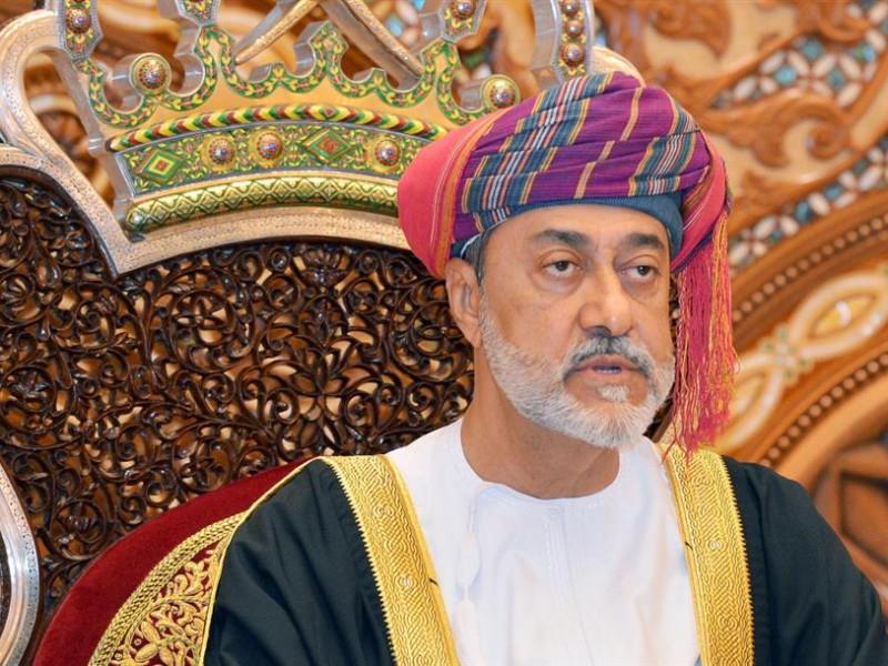 Sultán de Omán indulta a 118 presos extranjeros