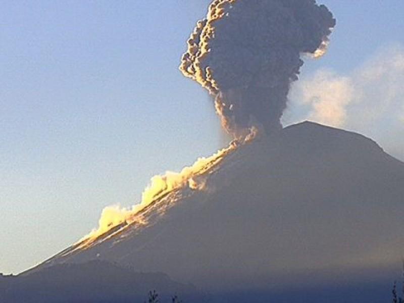 Suma volcán Popocatépetl 180 exhalaciones en 24 hrs
