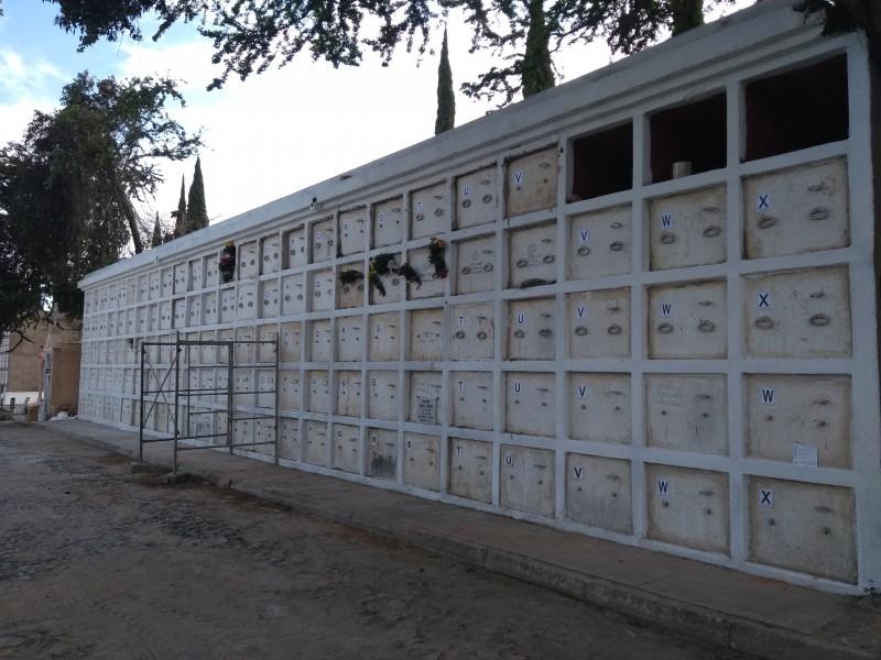 Suman 122 inhumaciones en Panteón Guadalajara