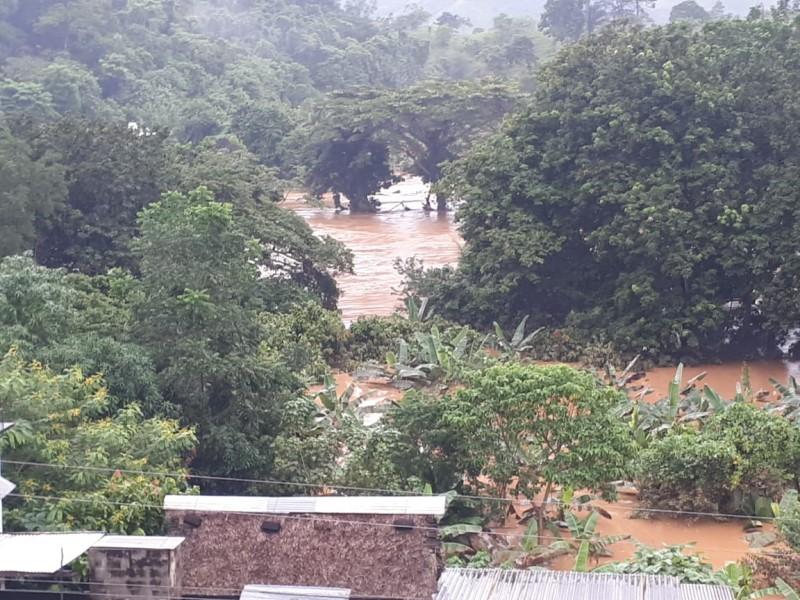 Suman 13 muertos por lluvias en Oaxaca