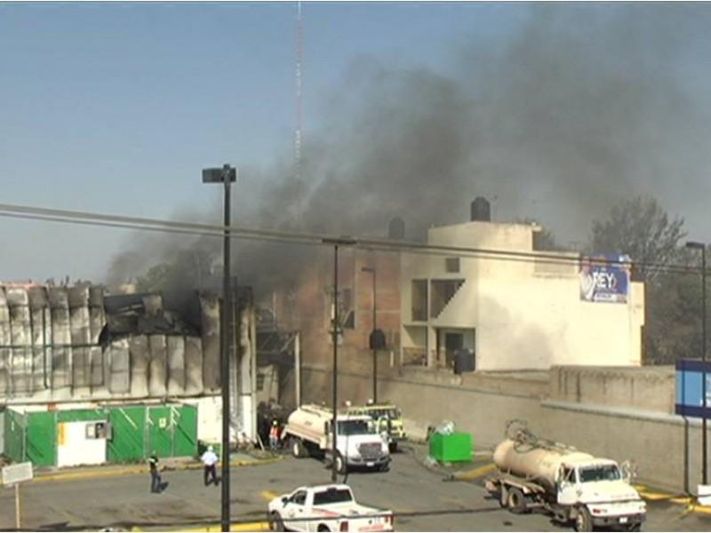 Suman 20 viviendas dañadas por explosión en Calera