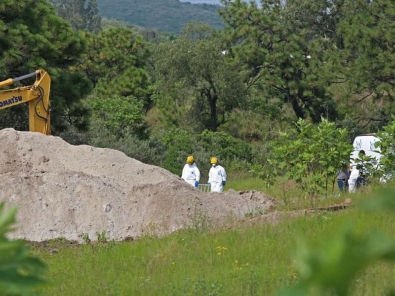 Suman 44 cuerpos hallados en fosa de Zapopan