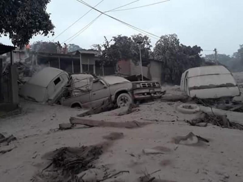 Suman 65 muertos por erupción de volcán