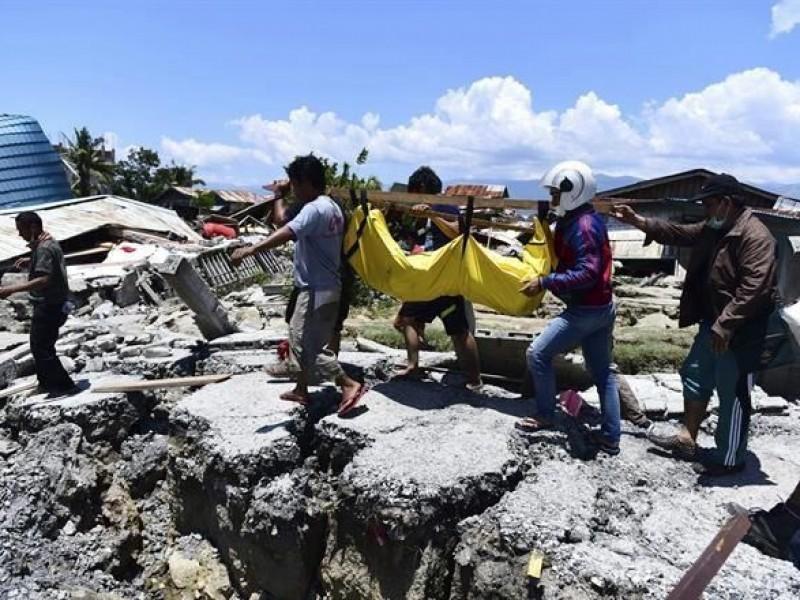 Suman 832 muertos por tsunami en Indonesia