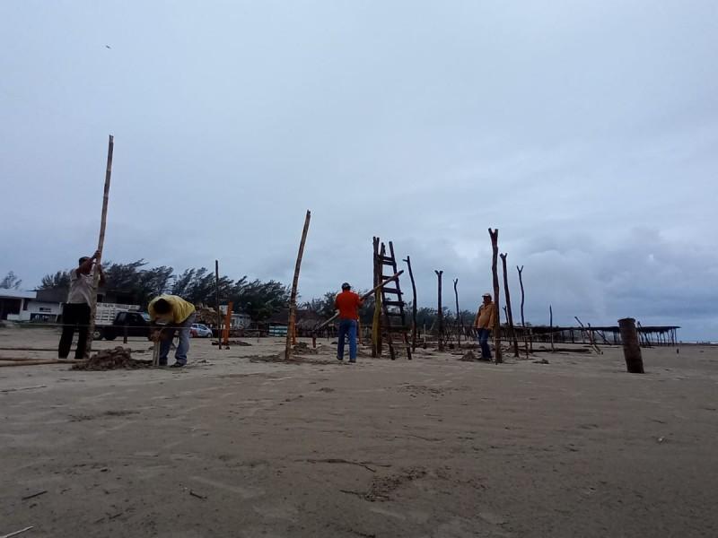 Suman esfuerzos para rehabilitar zona de playa en Tuxpan