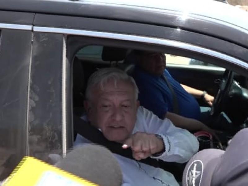 Supervisa López Obrador la construcción de la presa Santa María