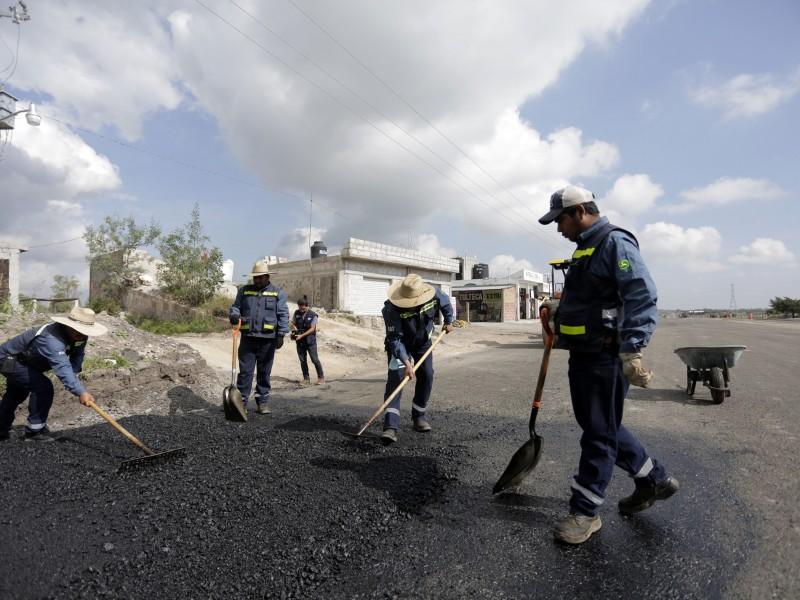 Supervisan obras en la carretera estatal 413