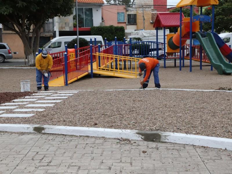 Supervisan rehabilitación del parque en Bosques del Sol