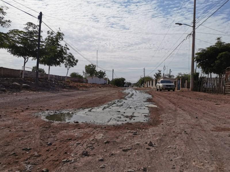 Surge socavón en Nuevo San Miguel