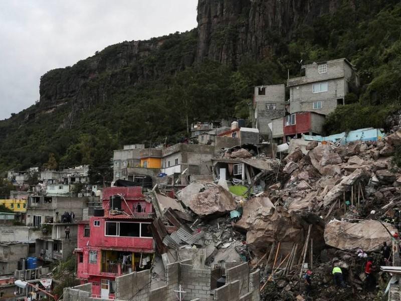 Suspenden búsqueda de víctimas en Cerro del Chiquihuite por riesgo