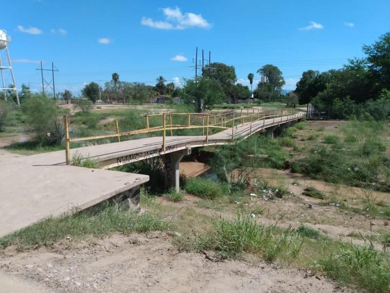 Suspenden clases ante peligro por puente y arroyo