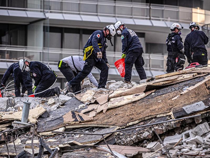Suspenden rescates en edificio de Miami, por riesgo de colapso