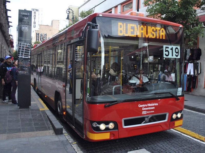 Suspenden servicio en estaciones de Metrobús