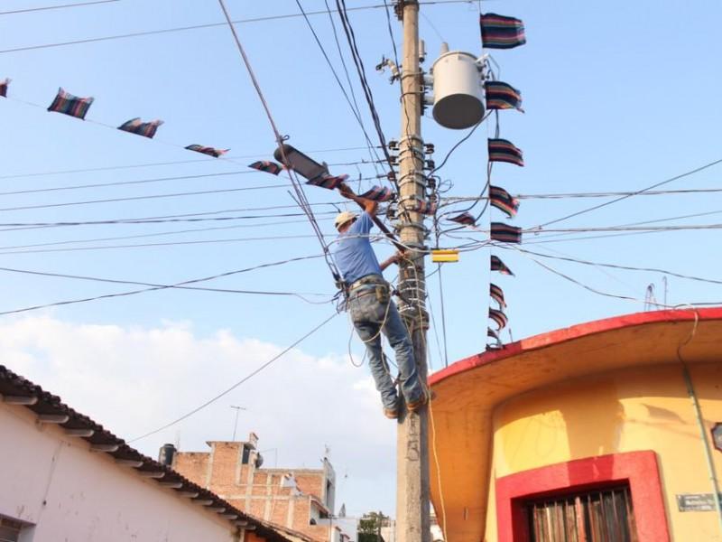 Sustituyen luminarias en Chiapa de Corzo