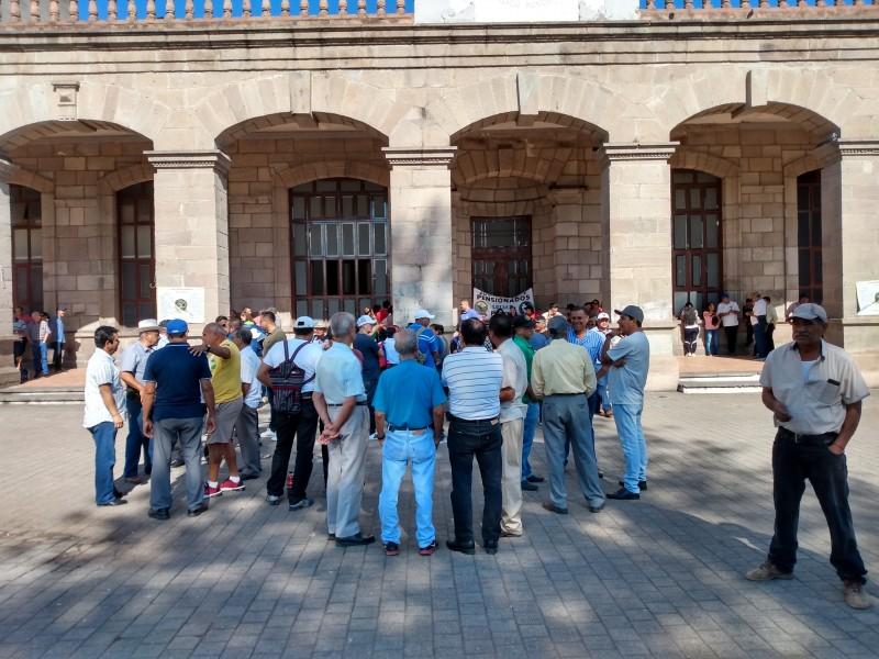 SUTSEM tomó instalaciones del Ayuntamiento de Tepic
