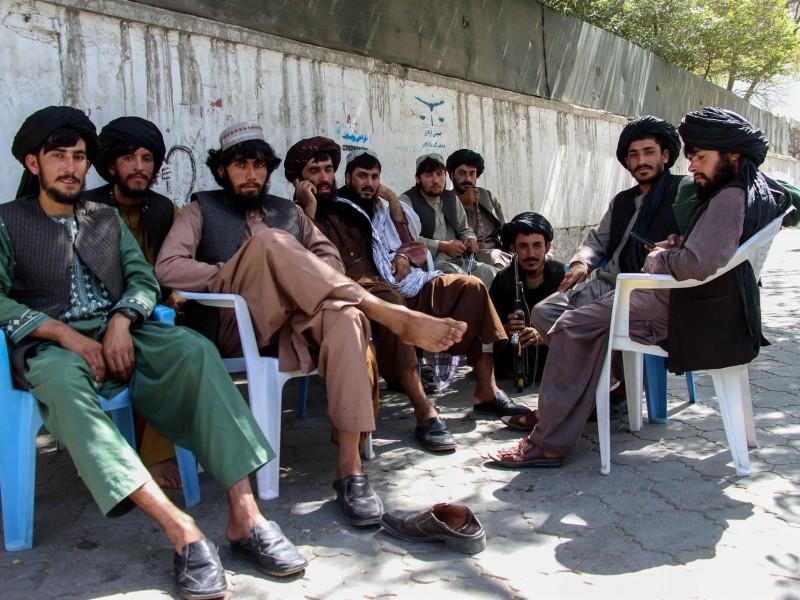 Talibanes aplauden decisión de EEUU por flujo de ayuda humanitaria