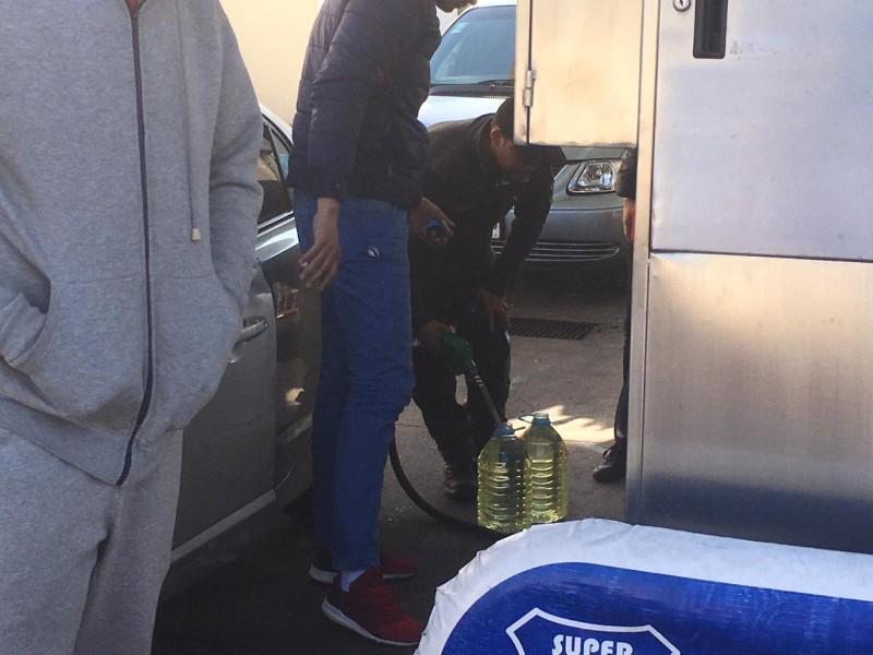 Tapatíos viven viacrucis por unos litros de gasolina