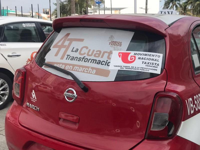 Unidades de transporte no pueden portar publicidad política: Movimiento Taxista