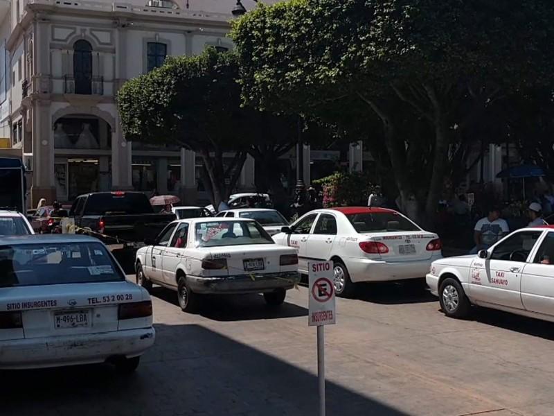 Taxistas de Sahuayo continúan con baja clientela