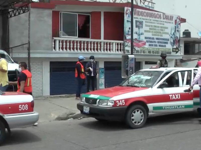 Taxistas de Tihuatlán logran acuerdos para prestar el servicio
