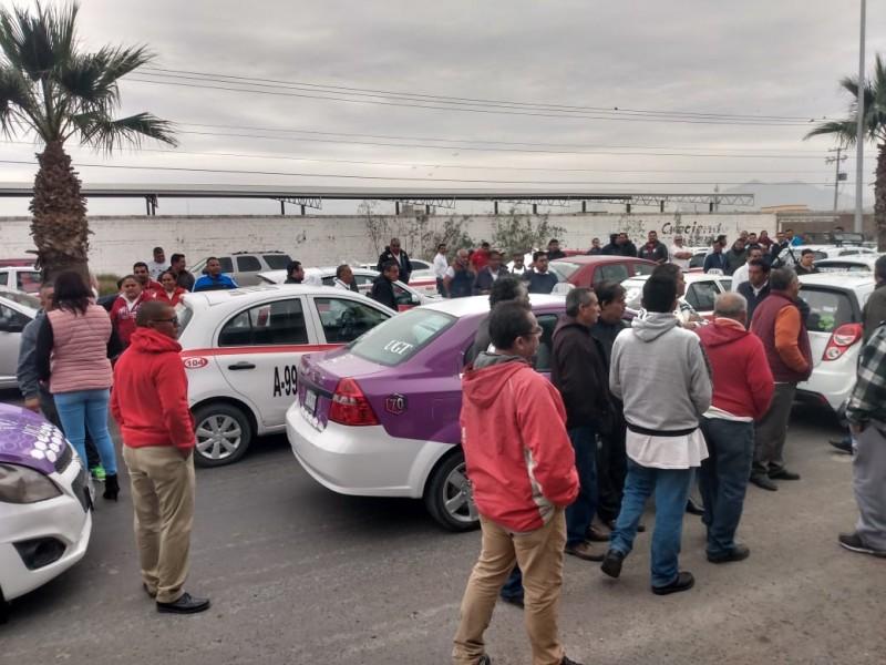 Taxistas denuncian detenciones arbitrarias