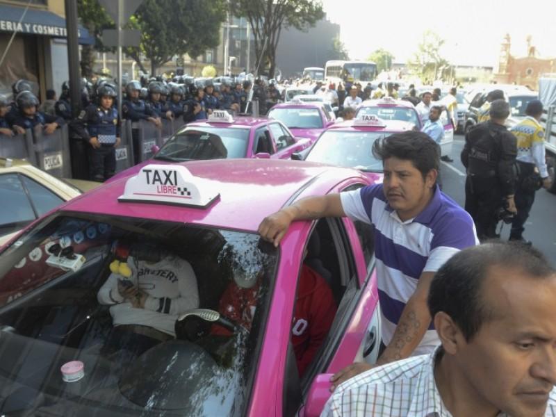 Taxistas desquician la ciudad; otra vez🚨