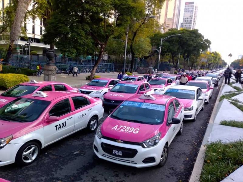 Taxistas realizan megamarcha en Ciudad de México