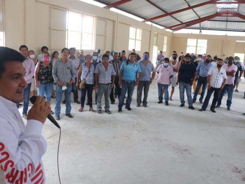 Taxistas manifiestan apoyo al Coyame; asegura ganará diputación por Misantla