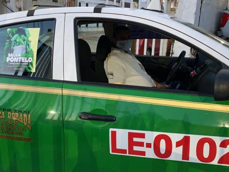 Taxistas negaran servicio a usuarios sin cubrebocas en León