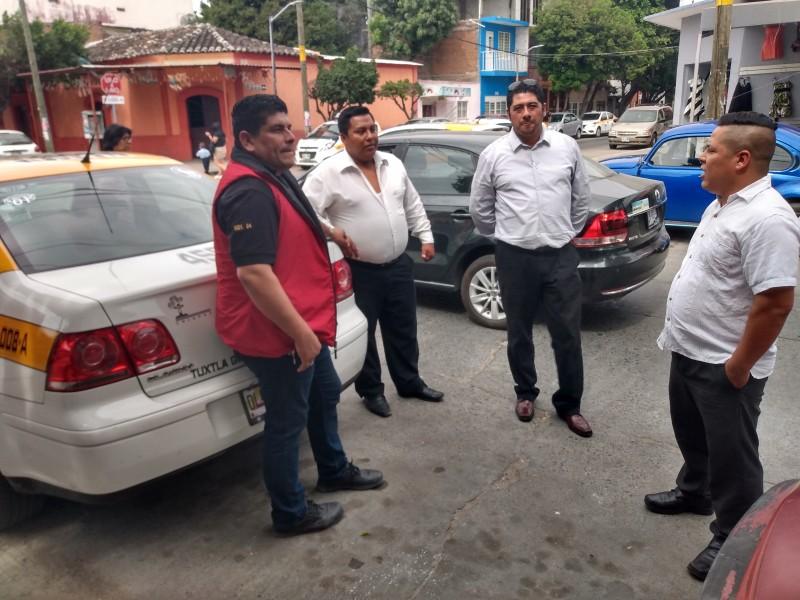 Taxistas ofrecen servicios gratuitos