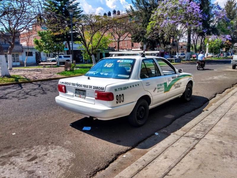 Taxistas registran baja en servicios hasta en un 70%