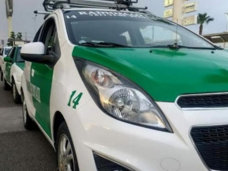 Taxistas apenas y sobreviven ante contingencia por covid-19