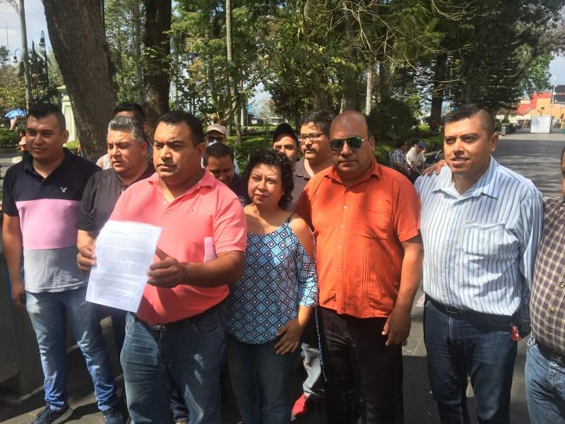 Taxistas solicitan apoyo del gobierno; coronavirus golpea sus ingresos