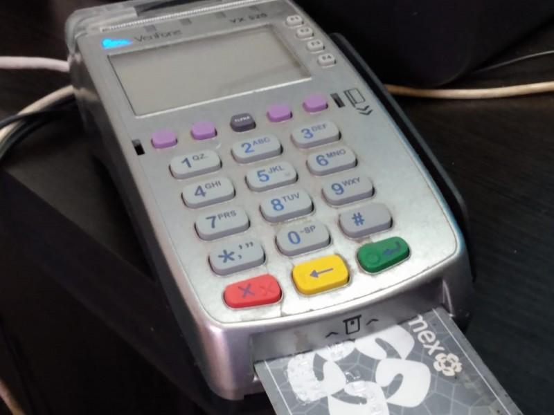 Tecnología presenta fallas en tarjetas