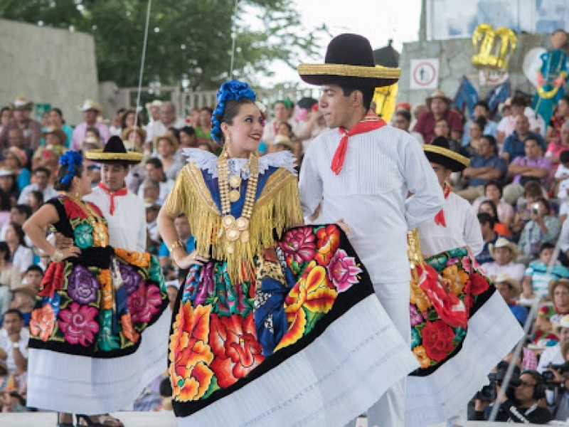 Tehuantepec, una de las delegaciones representativas de la Guelaguetza