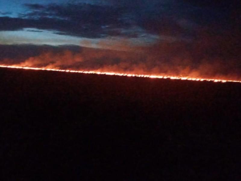 Temen incendios en sus viviendas por quema de soca
