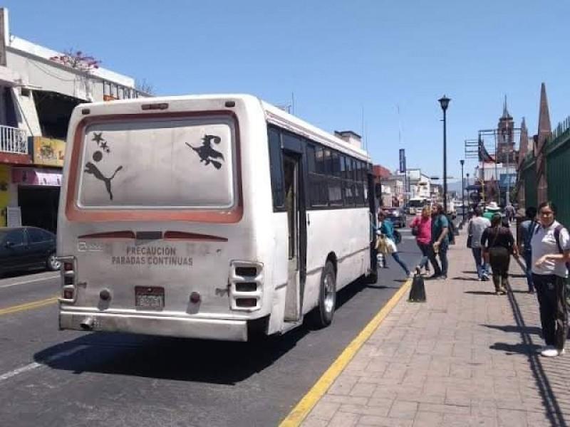 Temen transportistas posible aplazamiento de regreso a clases presenciales