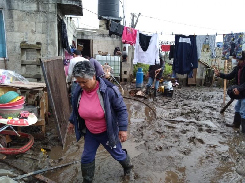 Tenango y Calimaya envueltos en lodo por Río Sanabria