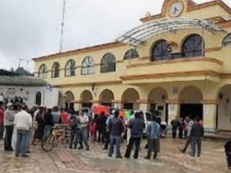 Tensa situación en Oxchuc, retienen a patrulla para exigir apoyos sociales