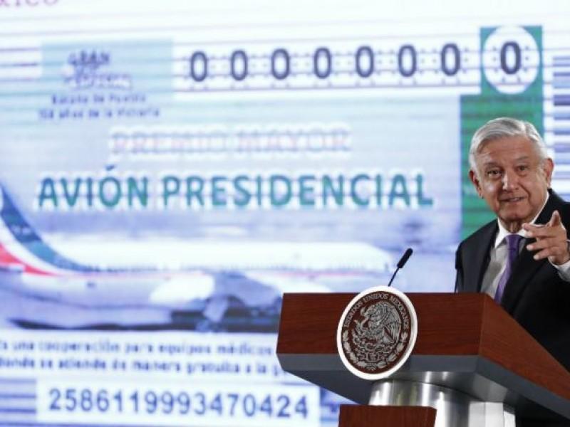 Tepicenses preguntan por cachitos del avión presidencial