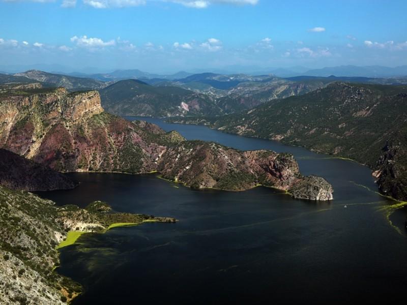 Terminaron los desfogues en la presa de Zimapán