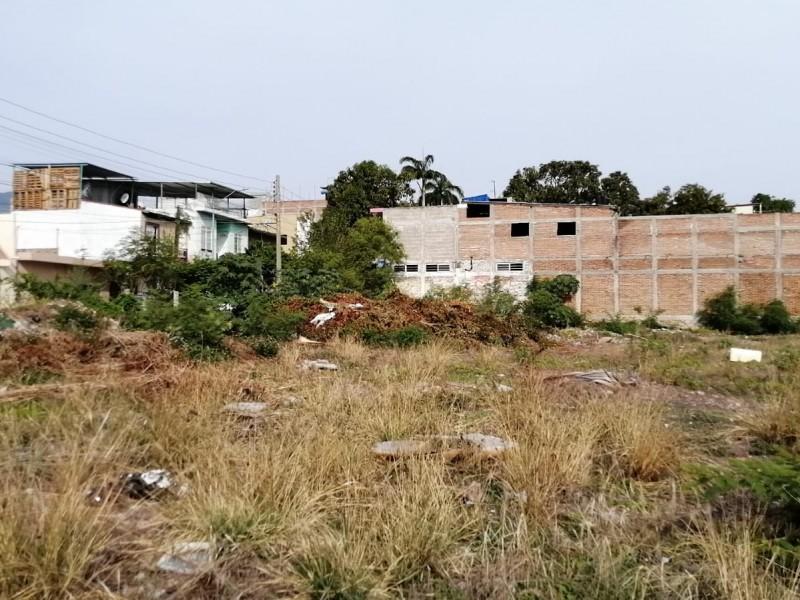 Terreno en zona centro de Tuxtla es utilizado como basurero