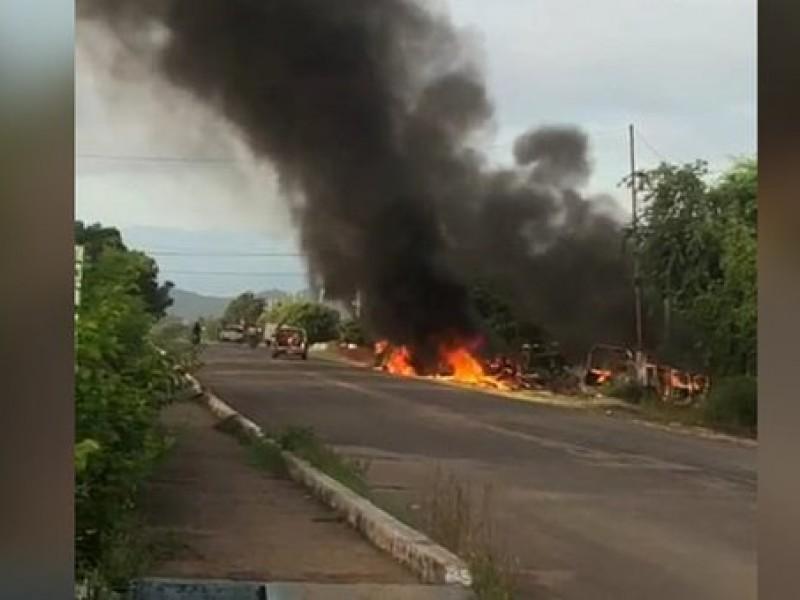 📹🚨🚓🔥Terrible: Emboscada deja 14 policías muertos en Michoacán