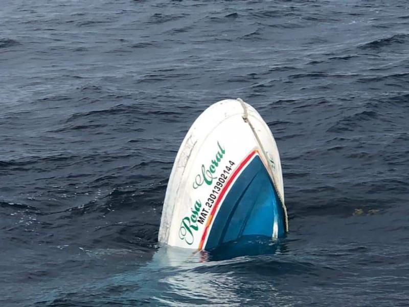 Terror en Isla Mujeres: Se hunde embarcación con 13 personas