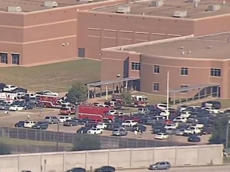 Tiroteo en secundaria de Arlington, Texas, deja cuatro muertos