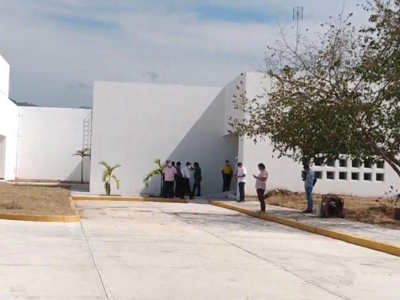 Todavía no hay para cuando aperturar Hospital de Petatlán