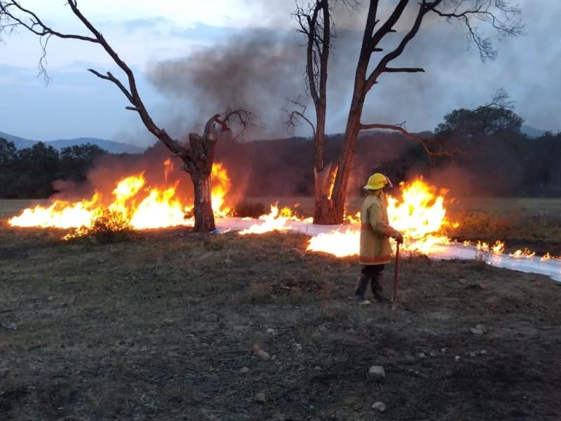 Toma clandestina de hidrocarburo provoca incendio